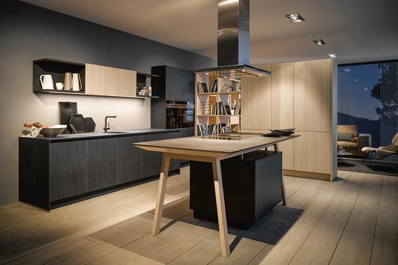 kookeiland in een moderne keuken van Boncquet, open tafel met een geïntegreerde kookplaat.