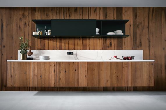 hangende kasten in een moderne keuken