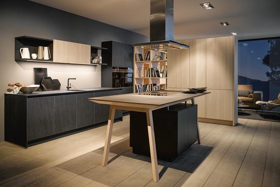 Mooie keuken Next125 van Boncquet met kookeiland en contrastkleuren, inspiratie en tips bij de voorbereiding