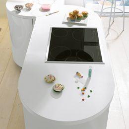 ronde keukenwerkblad witte klassieke keuken Boncquet