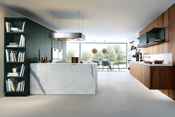 zwevende dampkap als aandachtstrekker in een moderne keuken van Boncquet