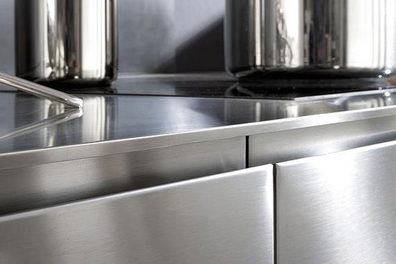 plan de travail acier inoxydable, dans une cuisine Boncquet, conseils et autre matériau