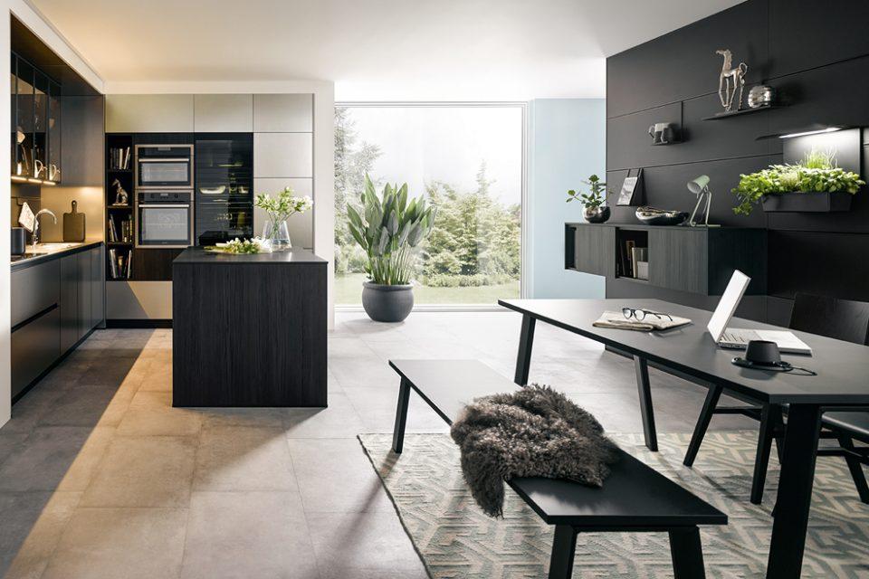 complete zwarte moderne keuken van Boncquet